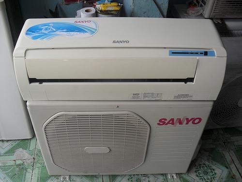 Máy lạnh Sanyo 1.0 HP | Giá 3.200.000 đồng/ bộ