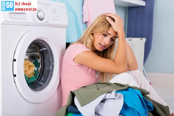Máy giặt Sam Sung giặt quần áo không sạch