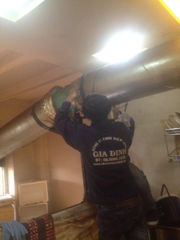 Lắp đặt đường ống máy hút khói
